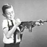 Como cambian los tiempos y las tendencias del mercado, un comercial de los años 60 de armas de juguetes para niños