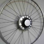 Reciclar bicicletas para convertirlas en luminarias o muebles como idea de negocios rentable