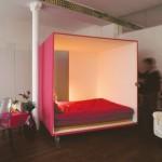Una cama dentro de un cubo para tener privacidad en cuartos o pisos pequeños para el ejecutivo de hoy